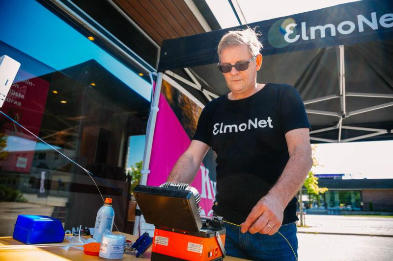 ElmoNetin Kai Ruohomäki kertoo työstään ja valokuituasennuksista.